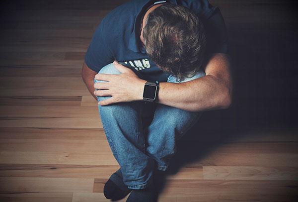 Алкоголизм и наркомания, как вести себя близким при срыве